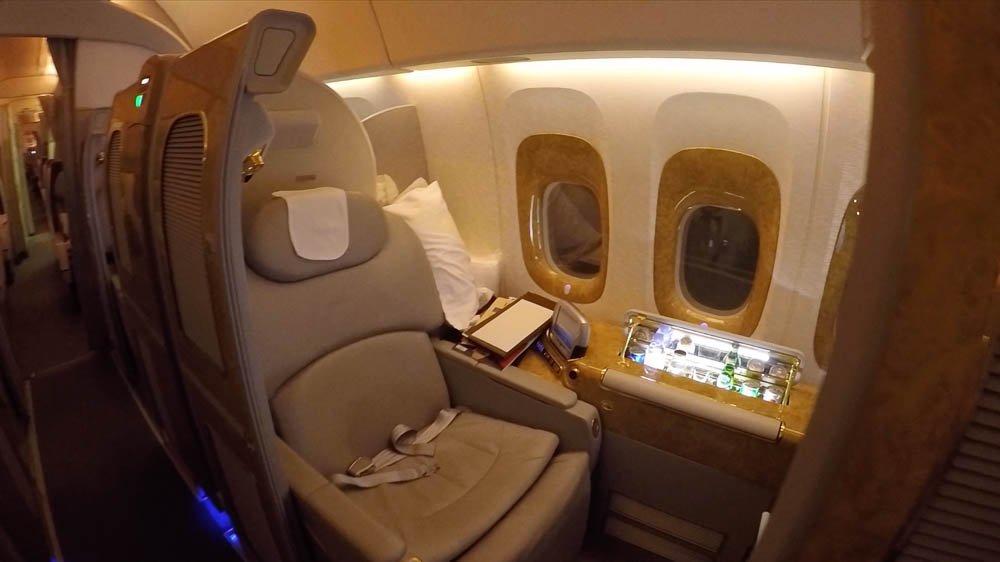 EK164 6_Business_Seat2.original.jpg