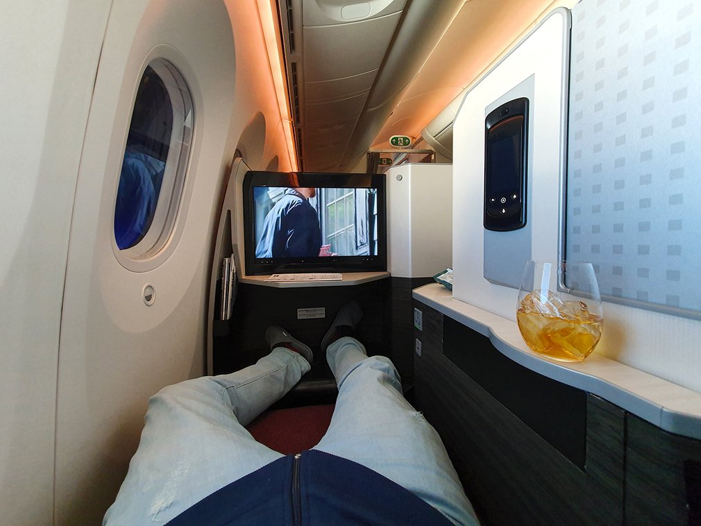Japan Airlines JL746 Business flat bed