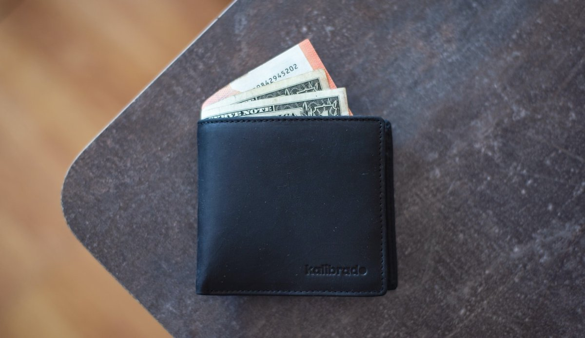 Mens wallets hero